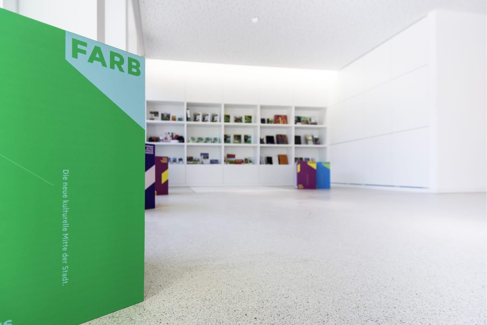 Farb Foyer Innenansicht