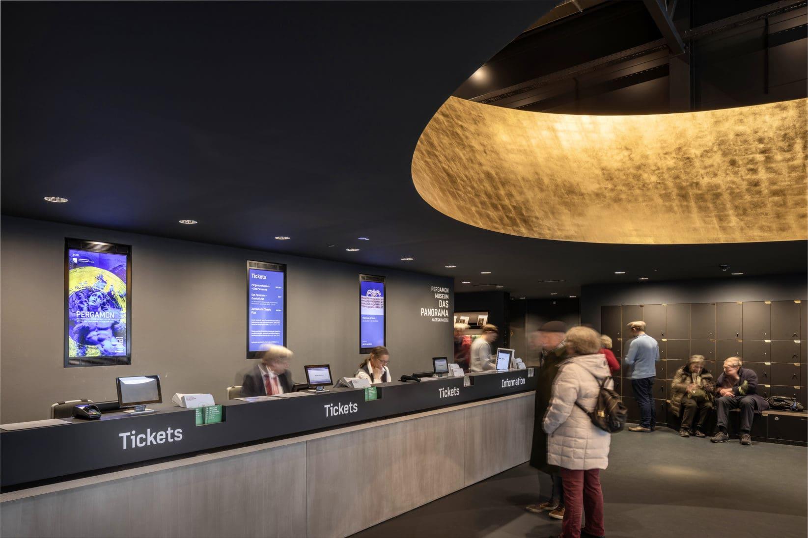 Museumsinsel Berlin Pergamon Leitsystem Informationsdesk