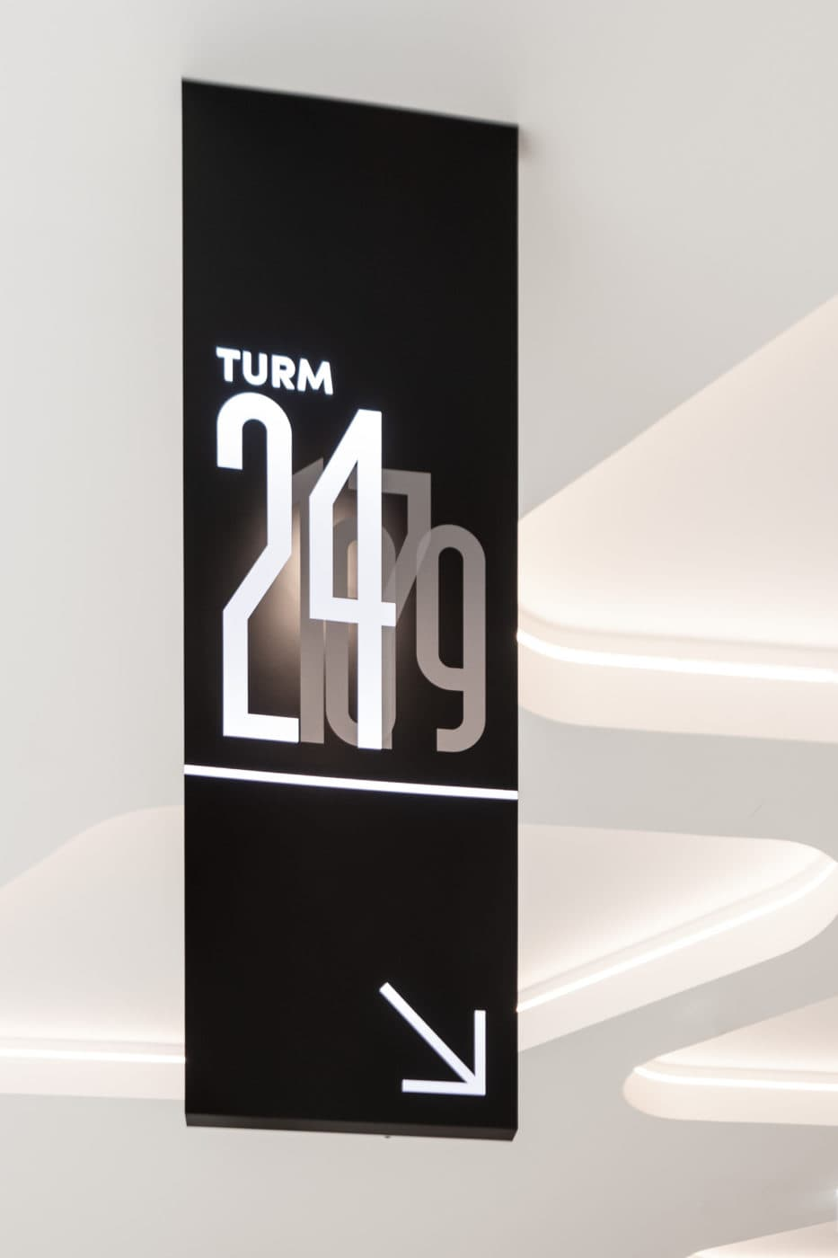 TheIcon Wien Signage Wegeleitung Foyer
