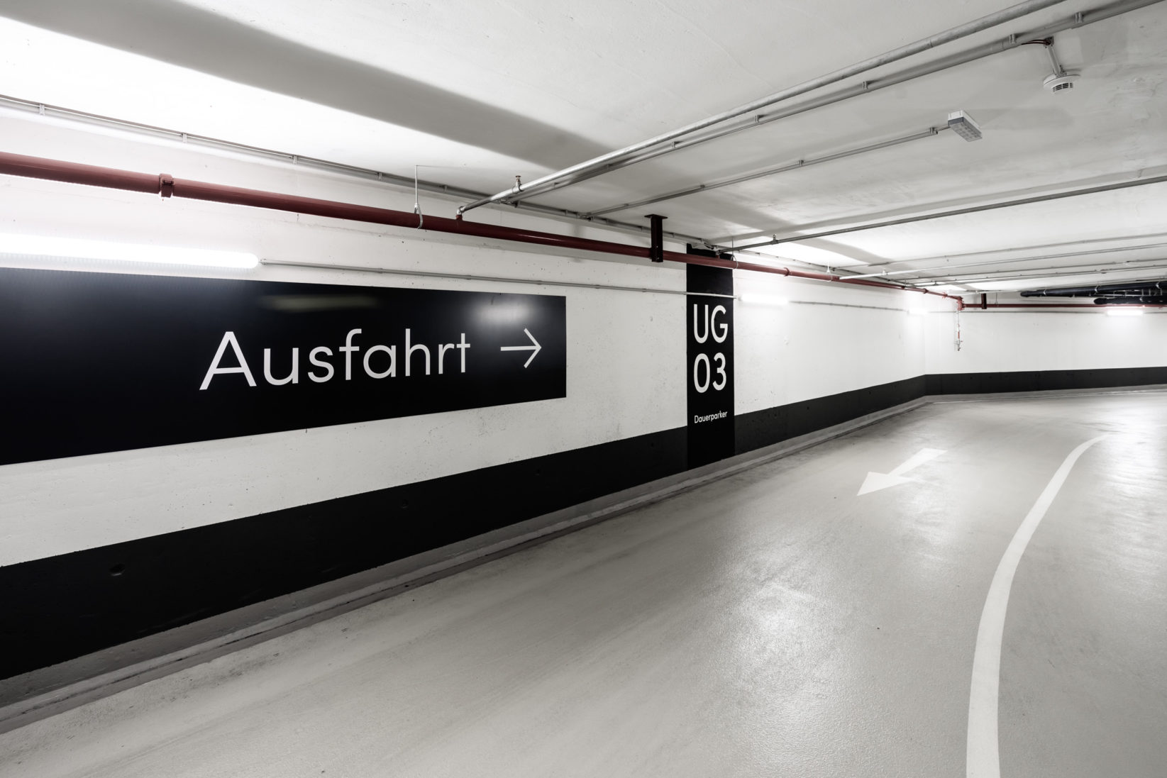 TheIcon Wien Signage Ausfahrt