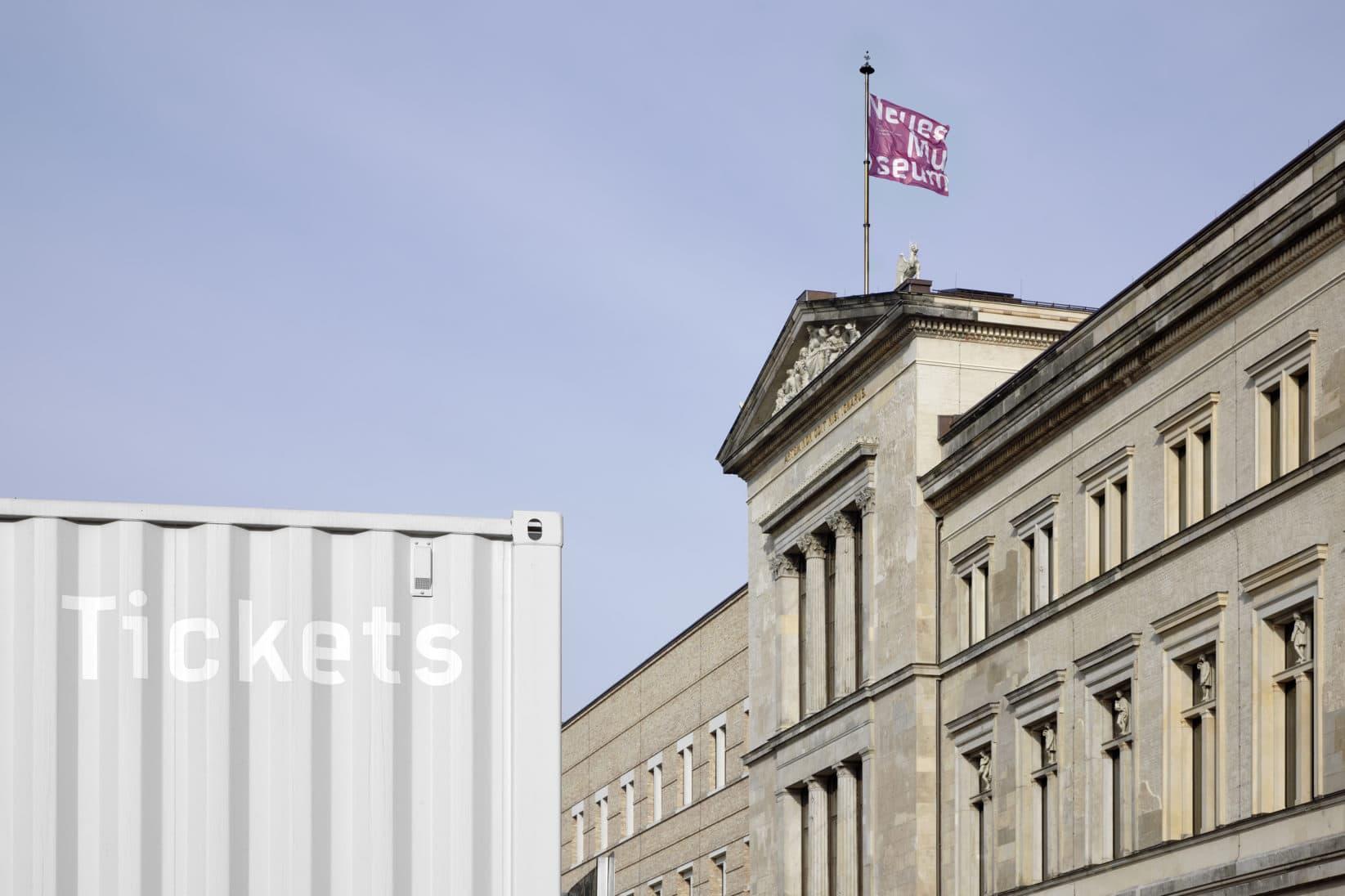 Museumsinsel Berlin Signage Dachfahnen